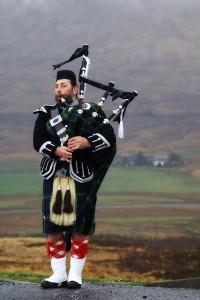 Scottish_piper[1]
